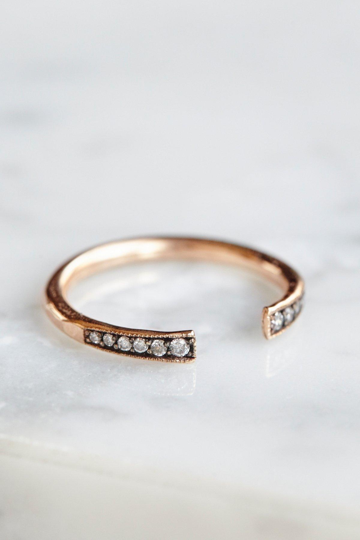 钻石环套戒指