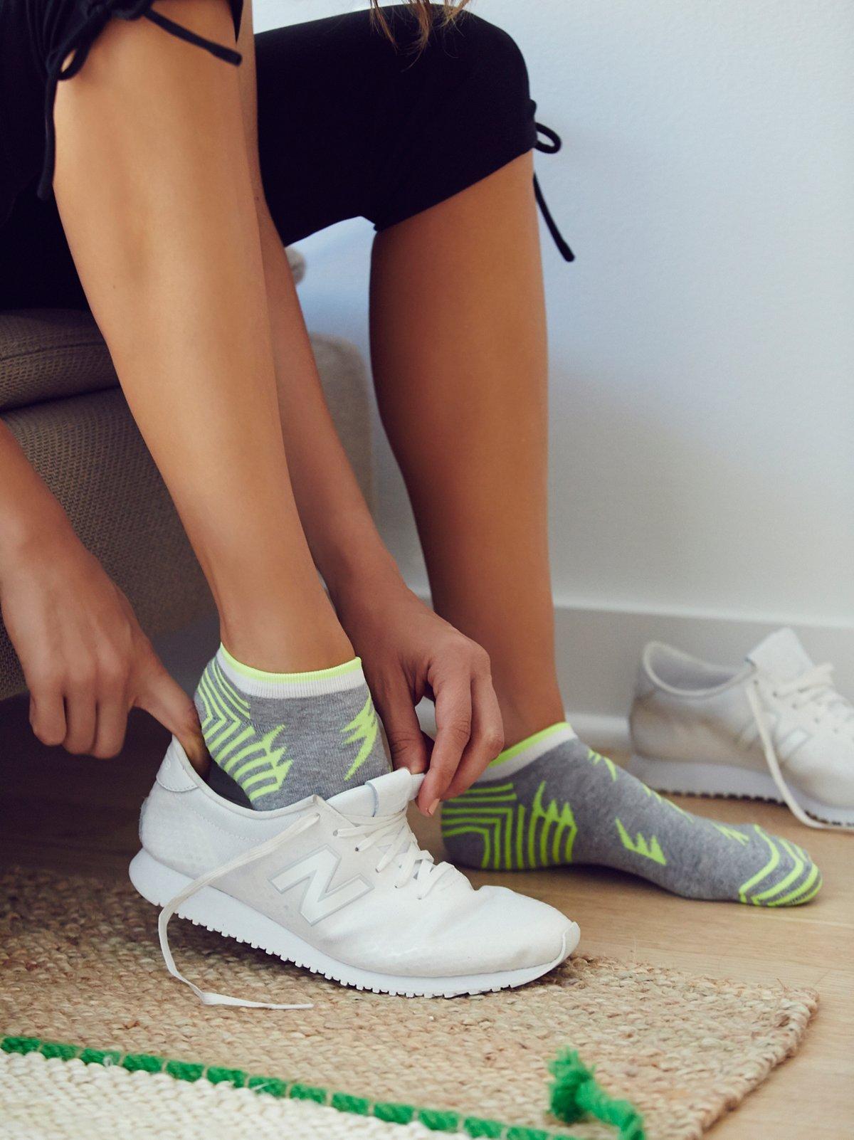 闪电运动袜