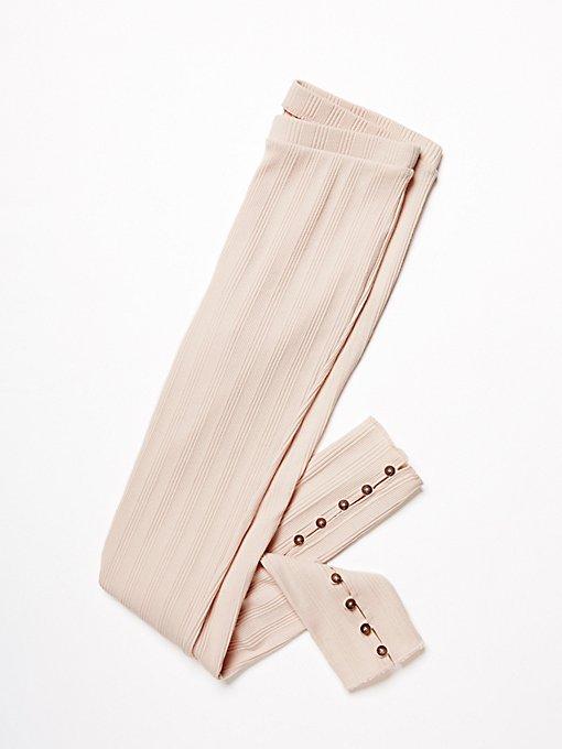 Product Image: 纽扣装饰短款打底裤