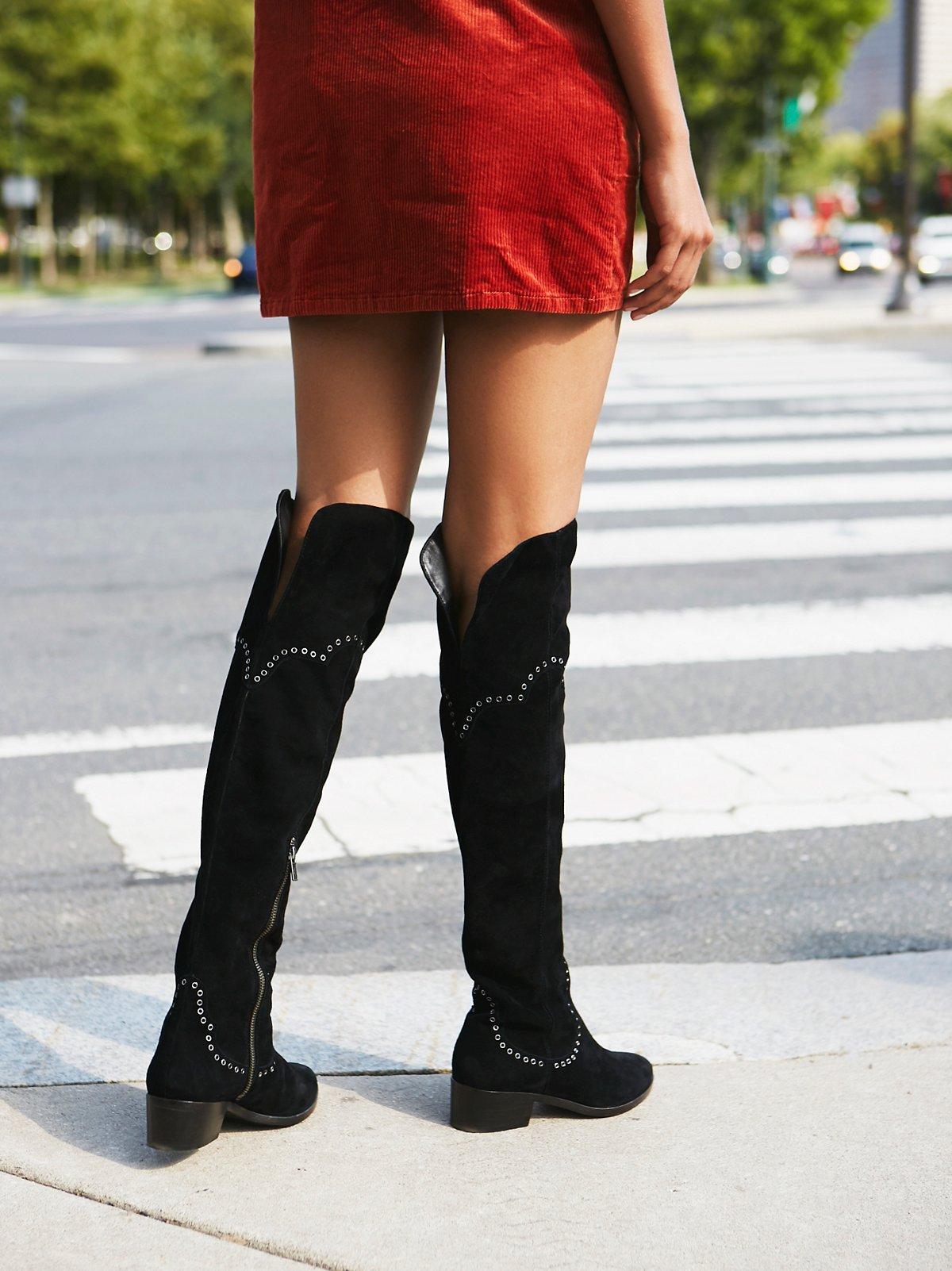 Cara金属扣眼装饰过膝长靴