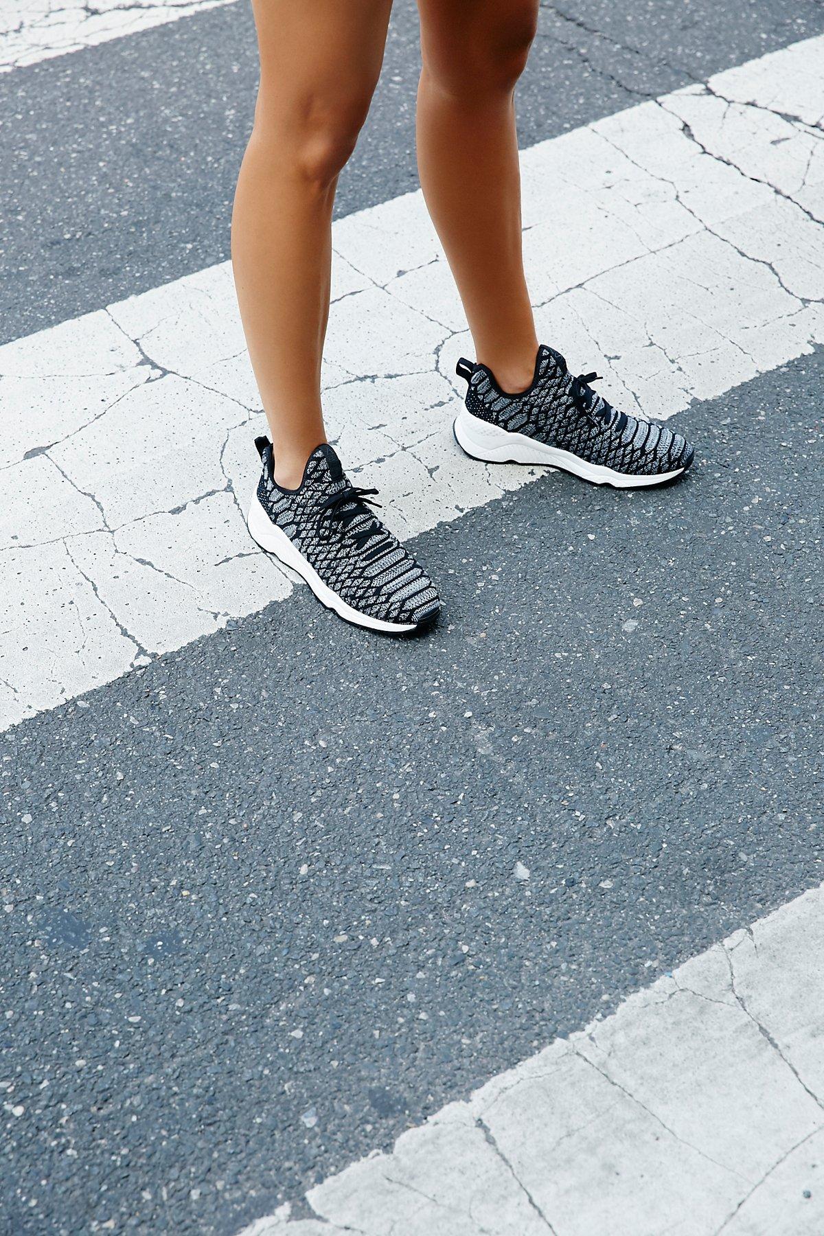 Magma运动鞋