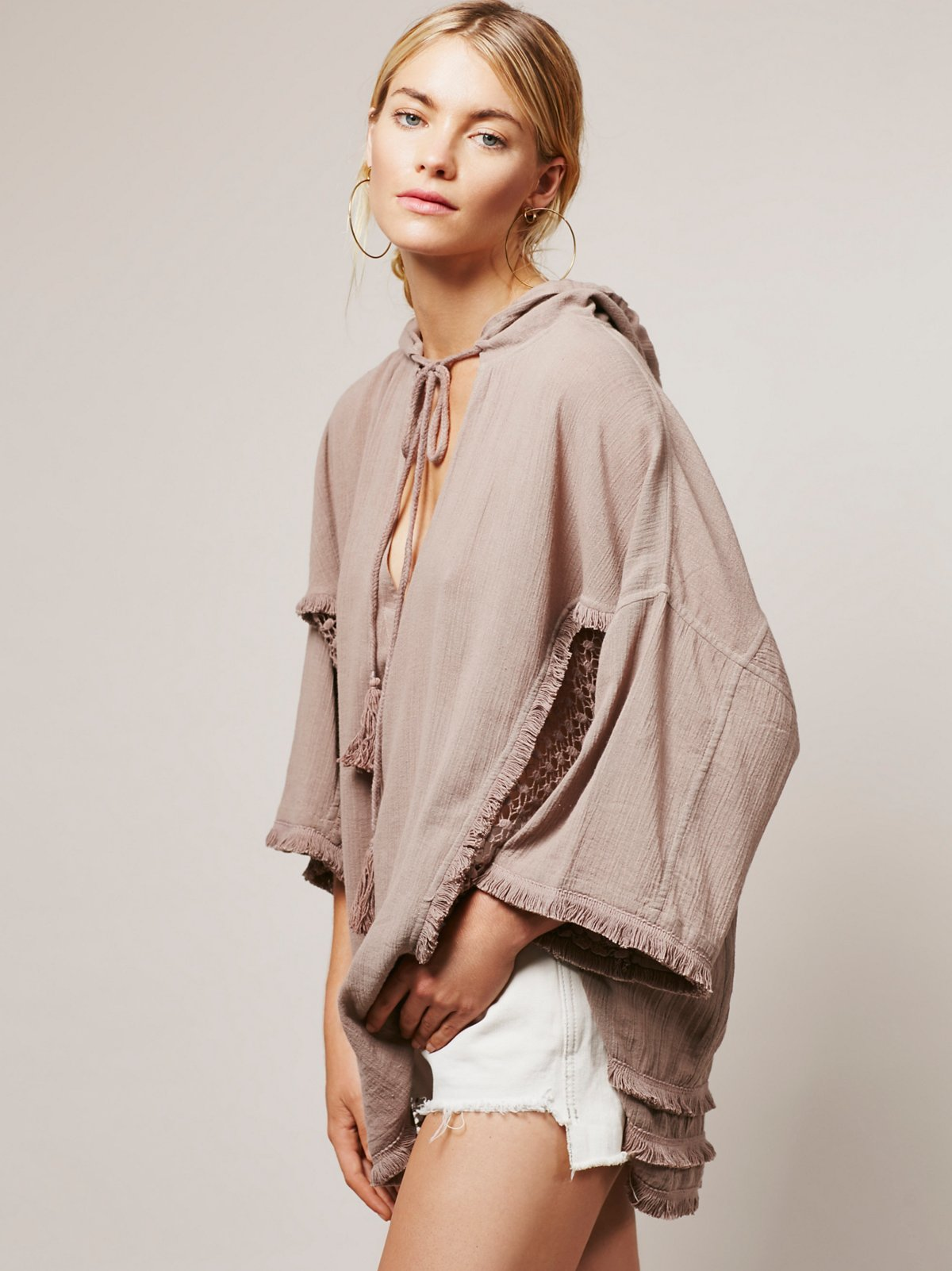 Blankets And Beaches Pullover