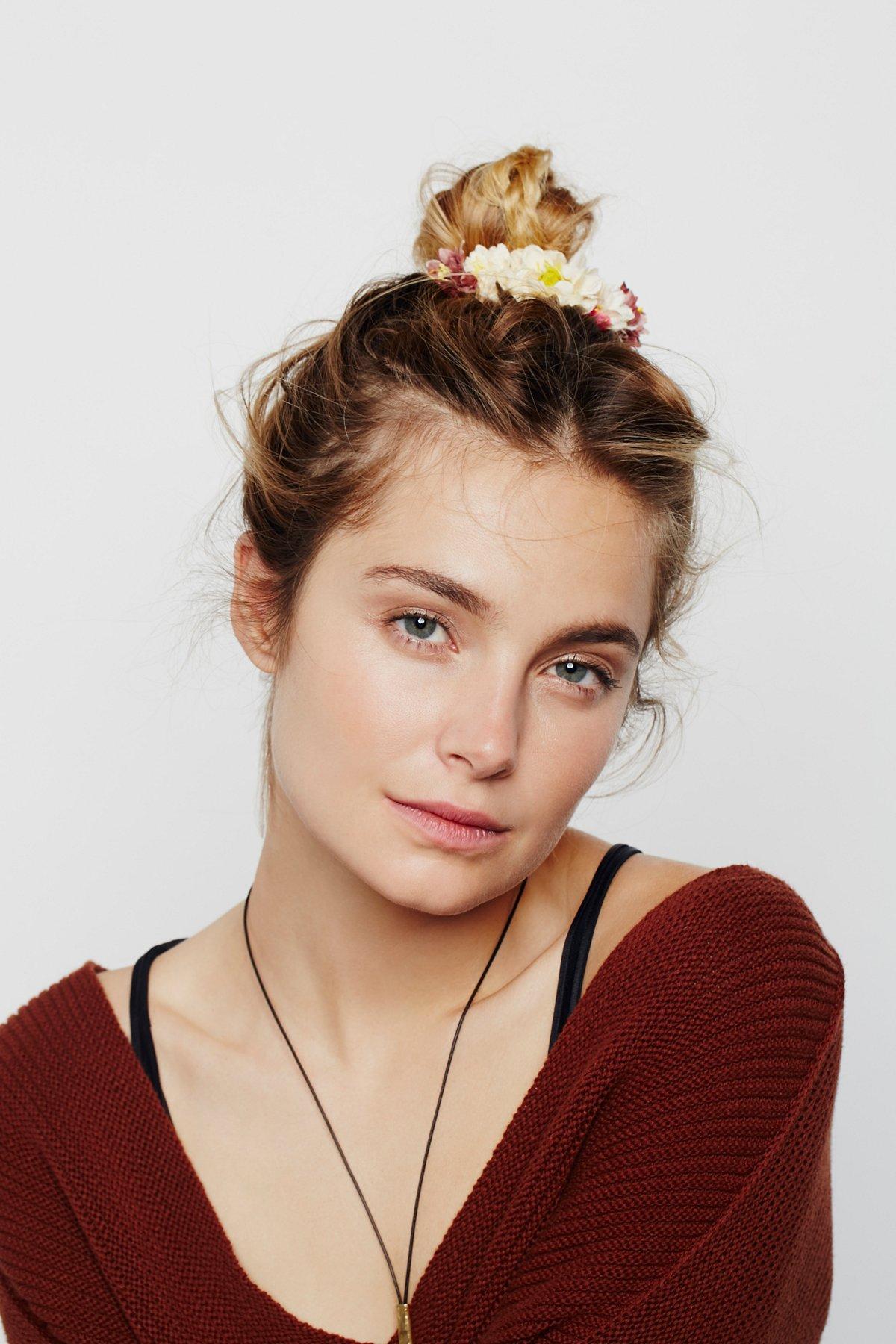 Bouquet Bun Cuff