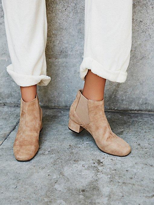 Product Image: Kelly仿皮靴