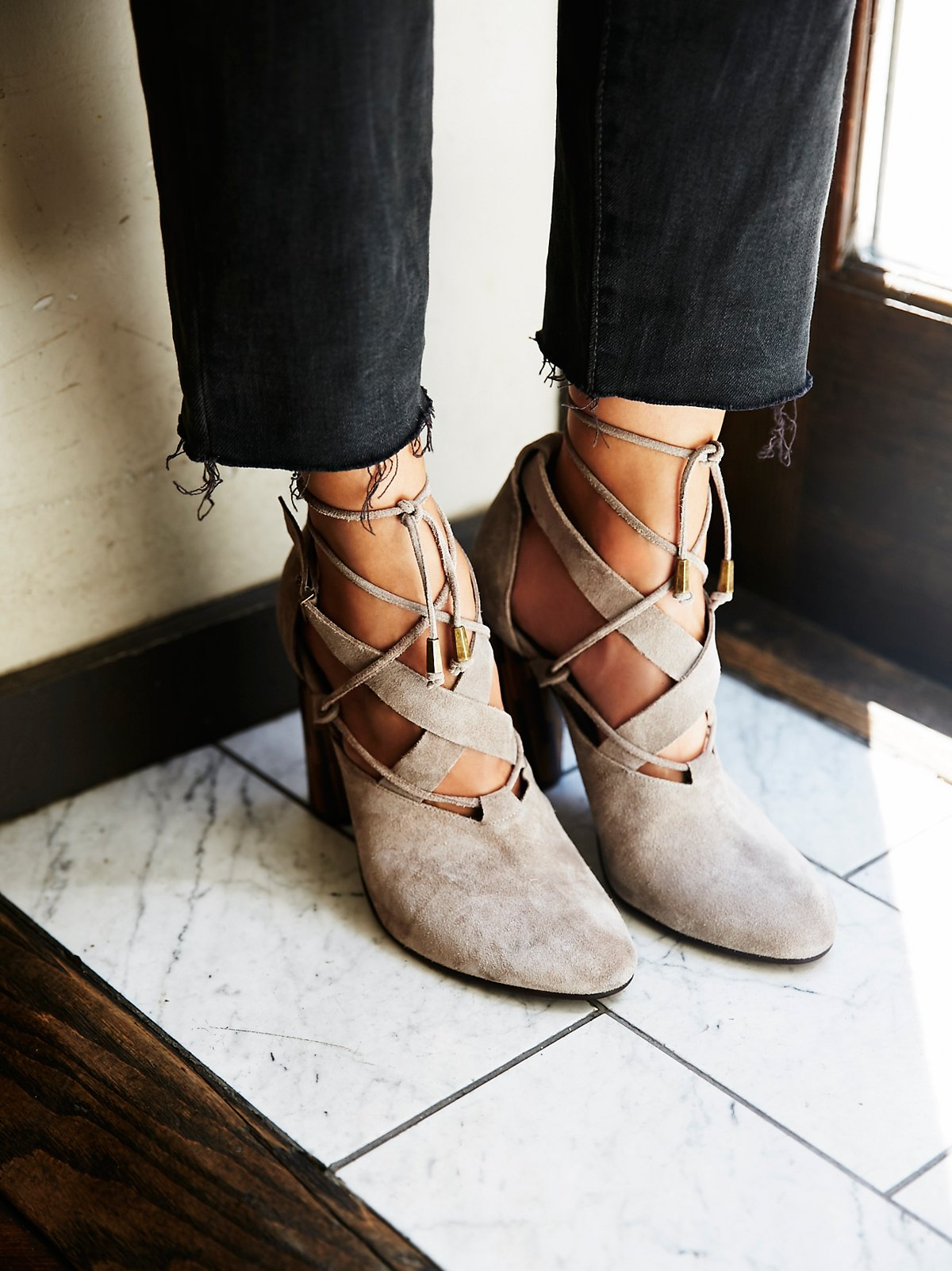 Nouvella裹踝高跟鞋