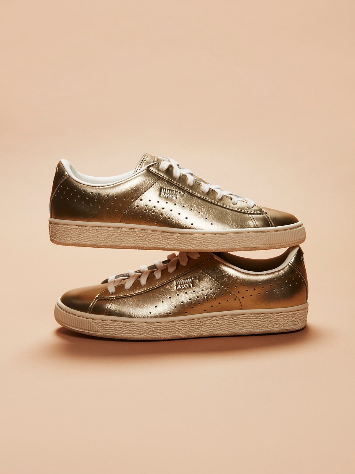 Basket Classic Citi Metallic Court Trainer