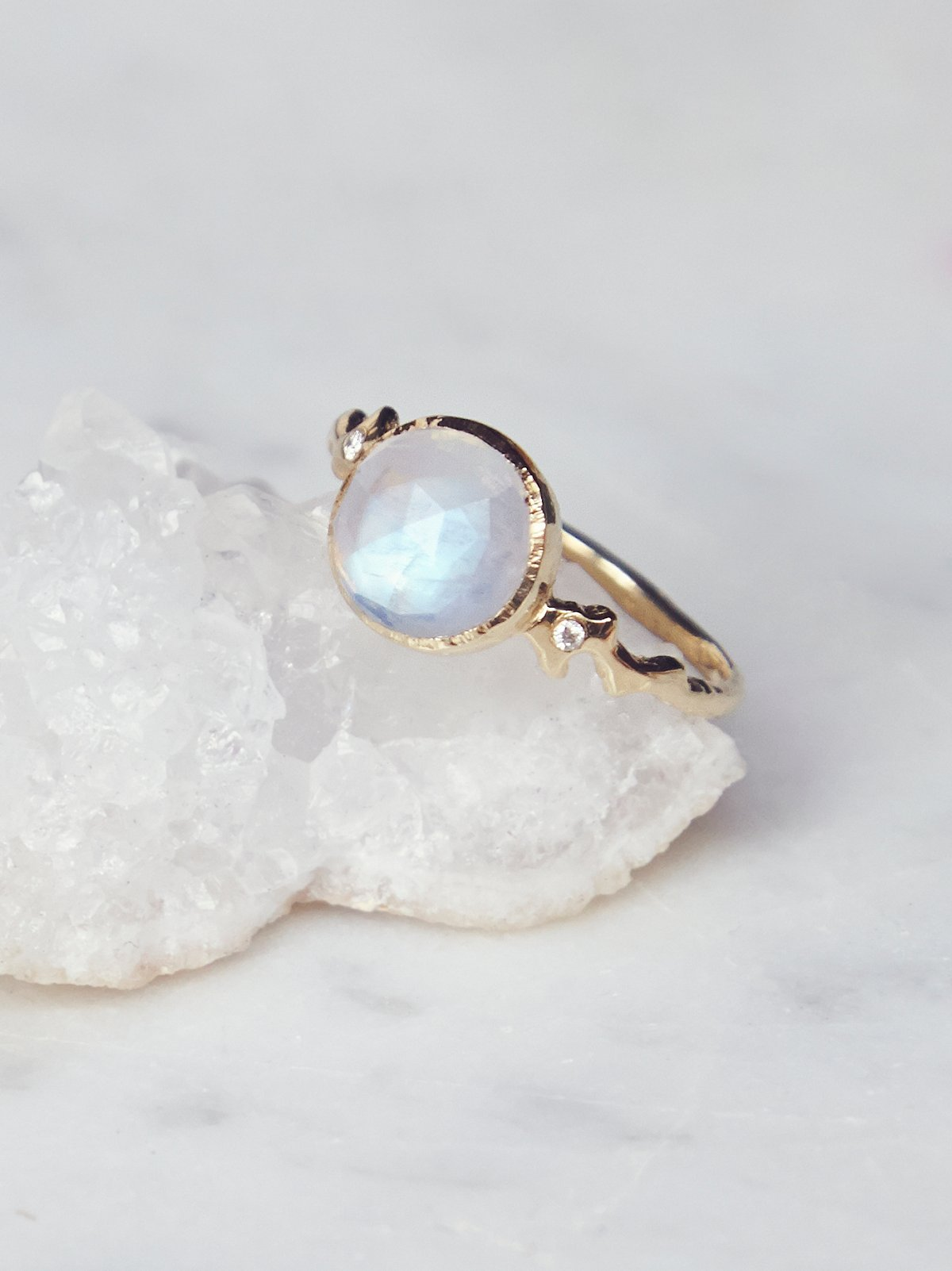 14k Moro Moonstone x Diamond Ring