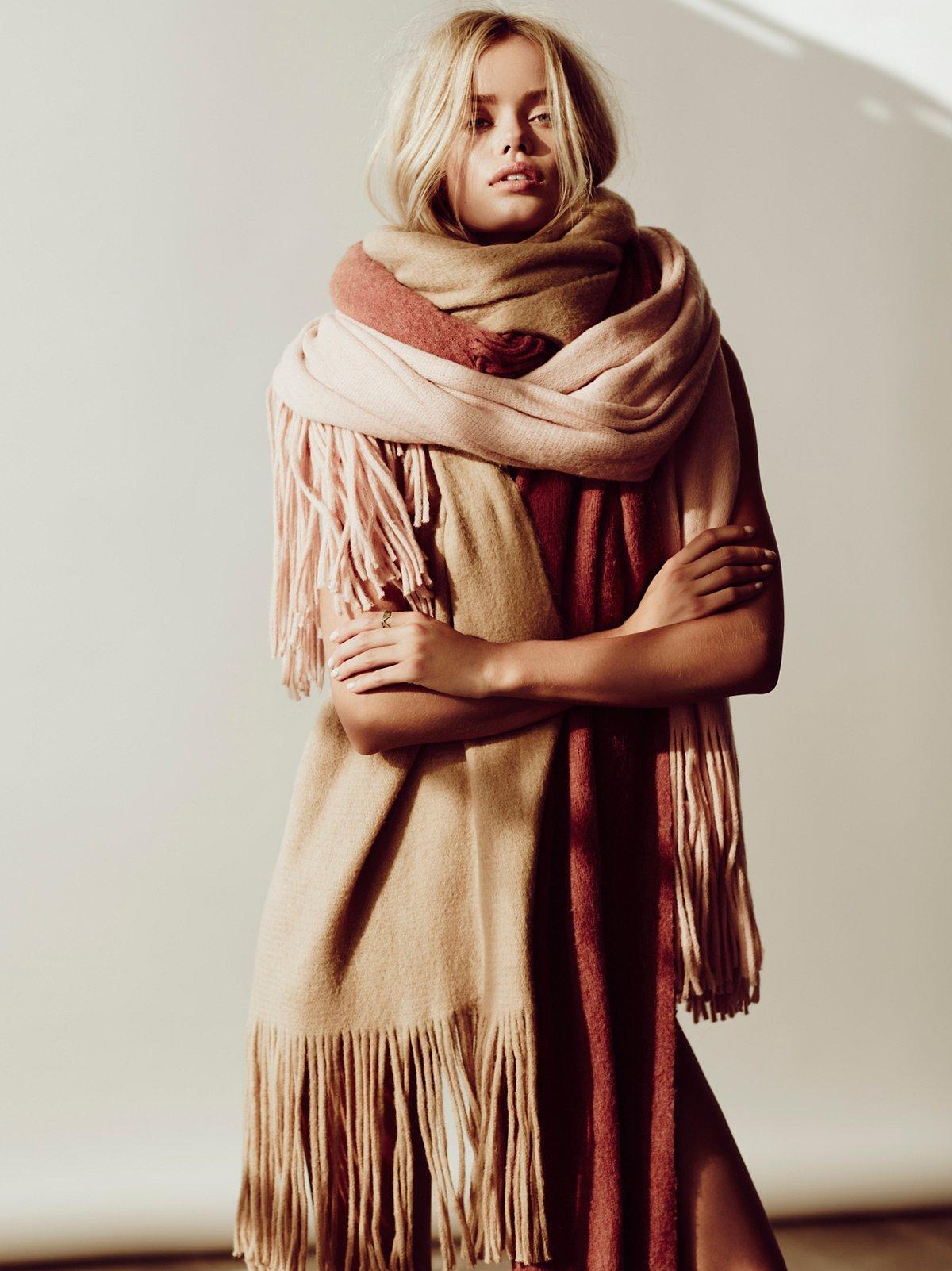 Kolby拉绒流苏围巾