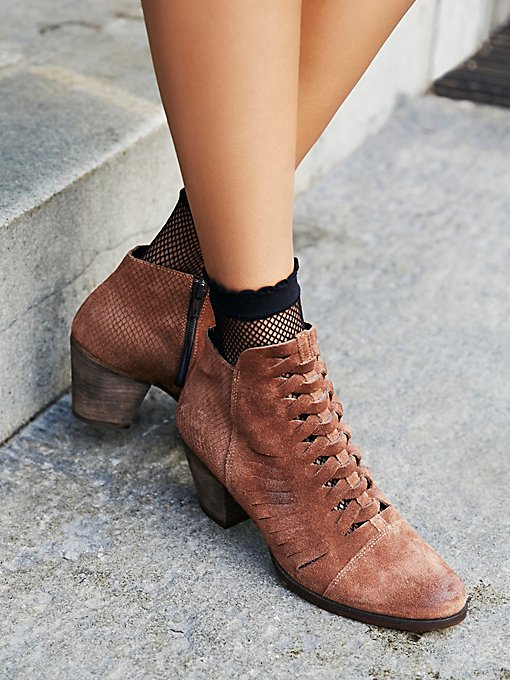 Product Image: Loveland Ankle Boot