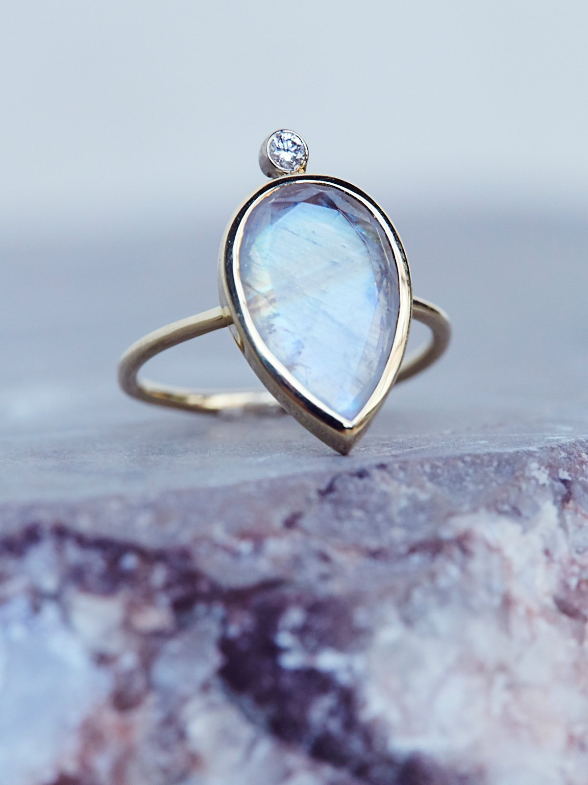 Moonstone x Diamond Ring