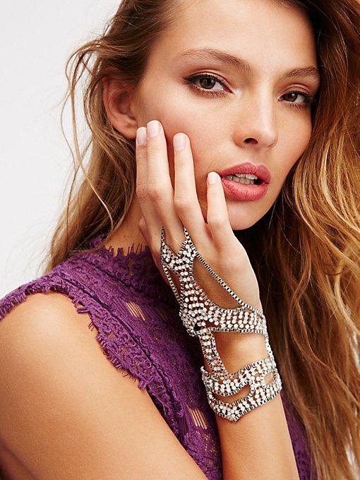Product Image: Night Passage Chain Glove