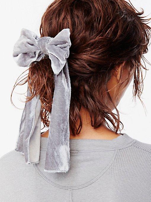 Product Image: Drippy Velvet Bow