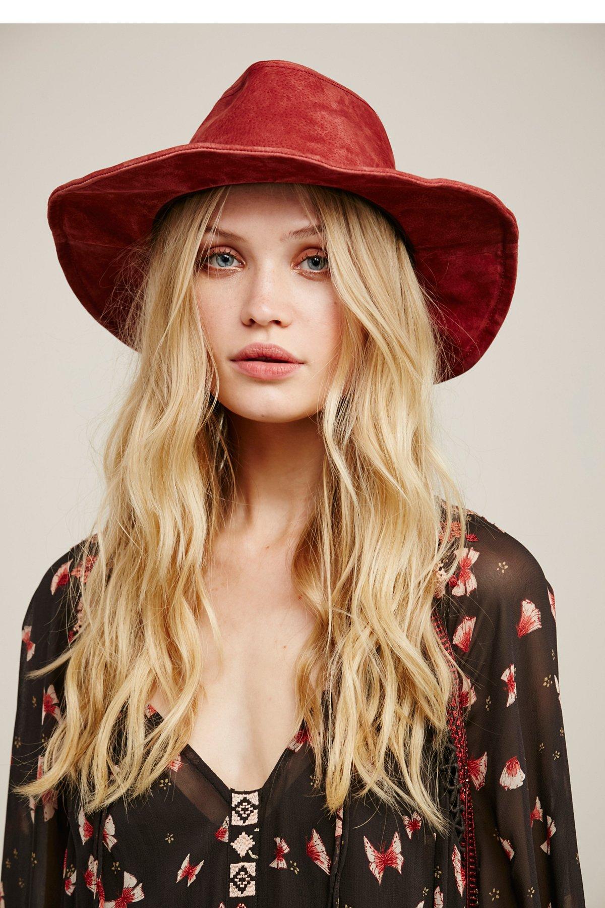 Wanderlust绒面帽