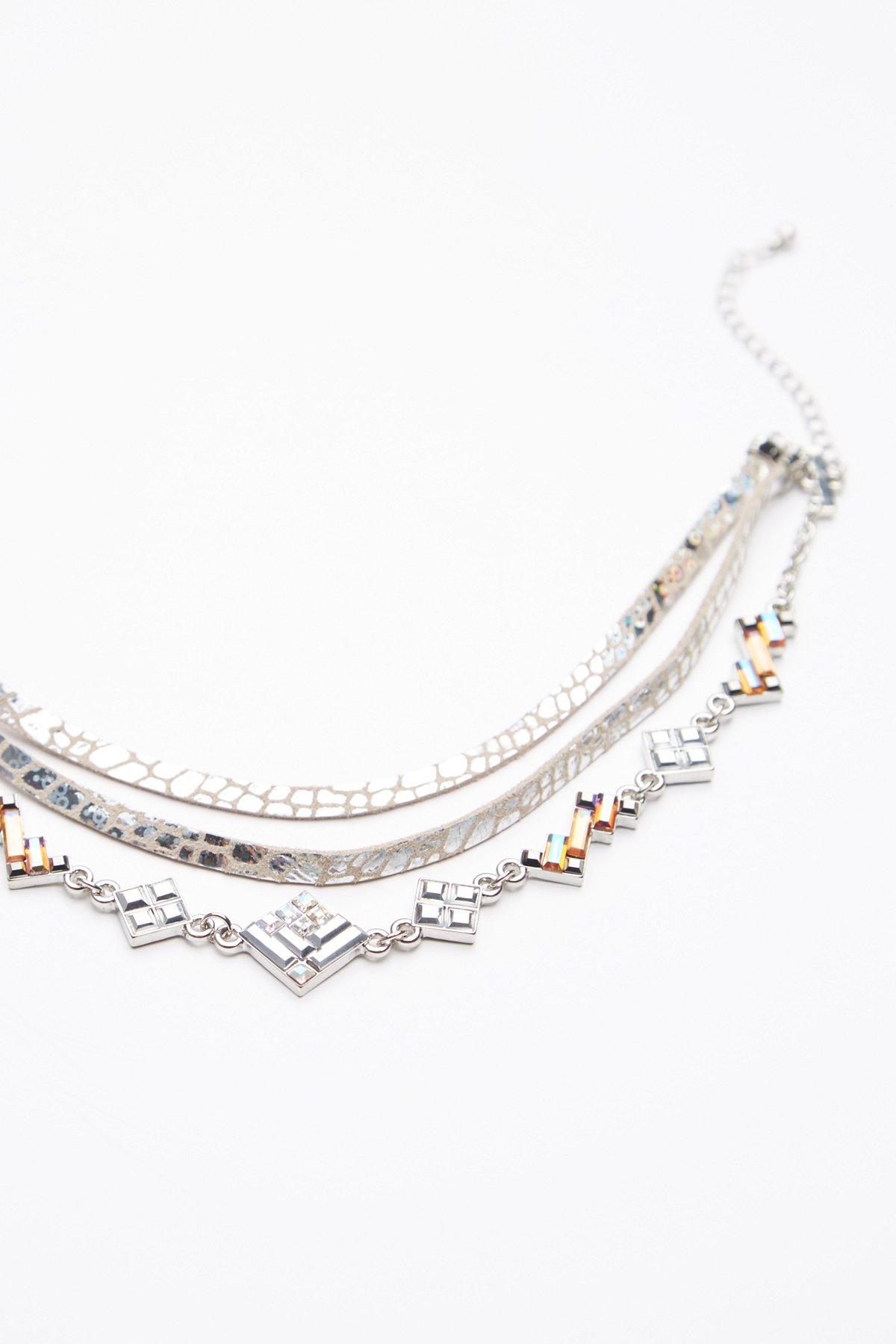 Luna装饰缠绕式皮革颈链