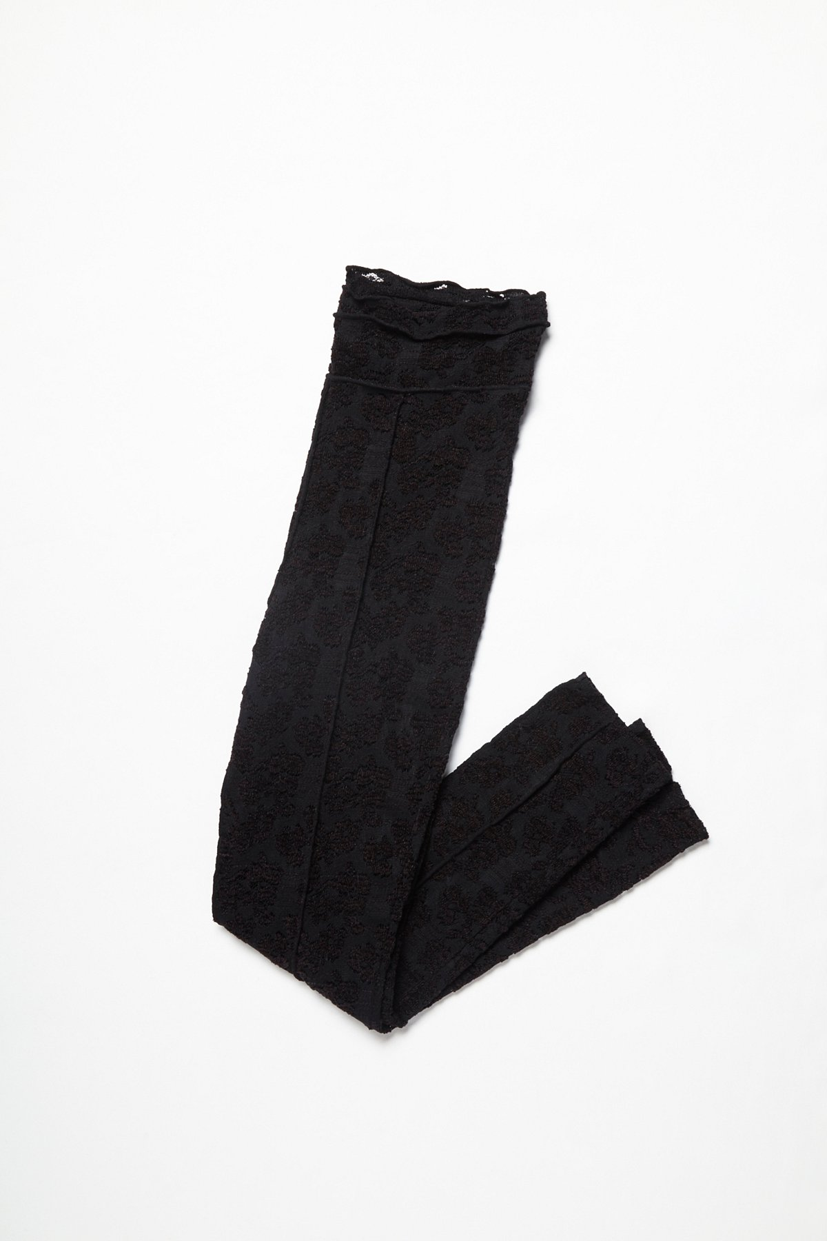 不只是一款蕾丝打底裤