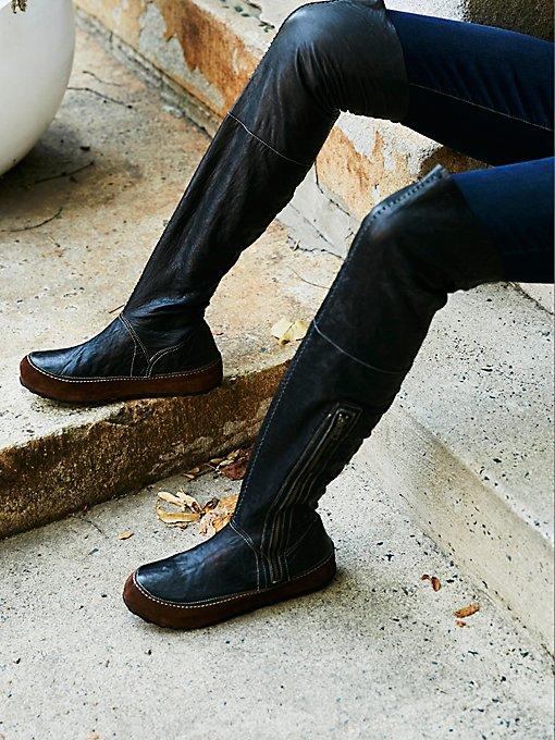 Product Image: Glacier Pass户外徒步高筒靴