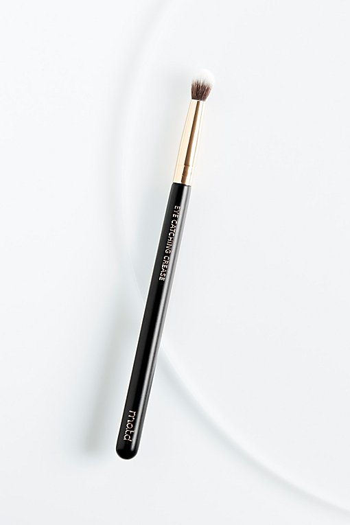 Product Image: Eye Catching Crease Brush