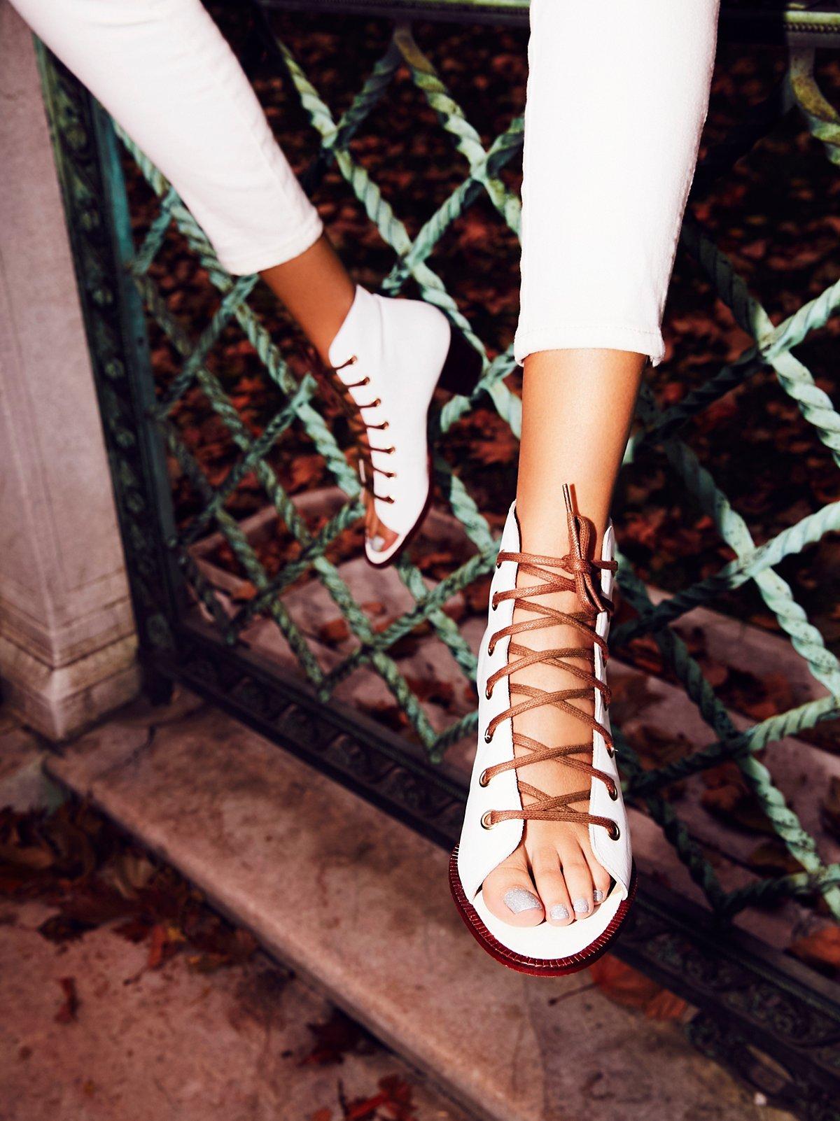 Serenade系带靴
