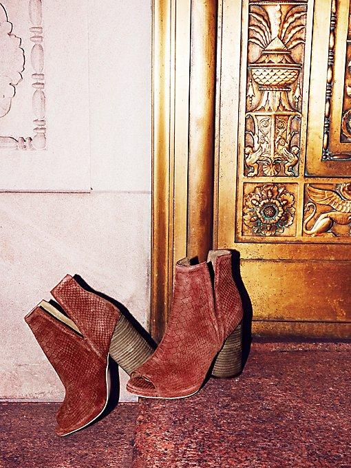 Product Image: Infinity Heel Boot
