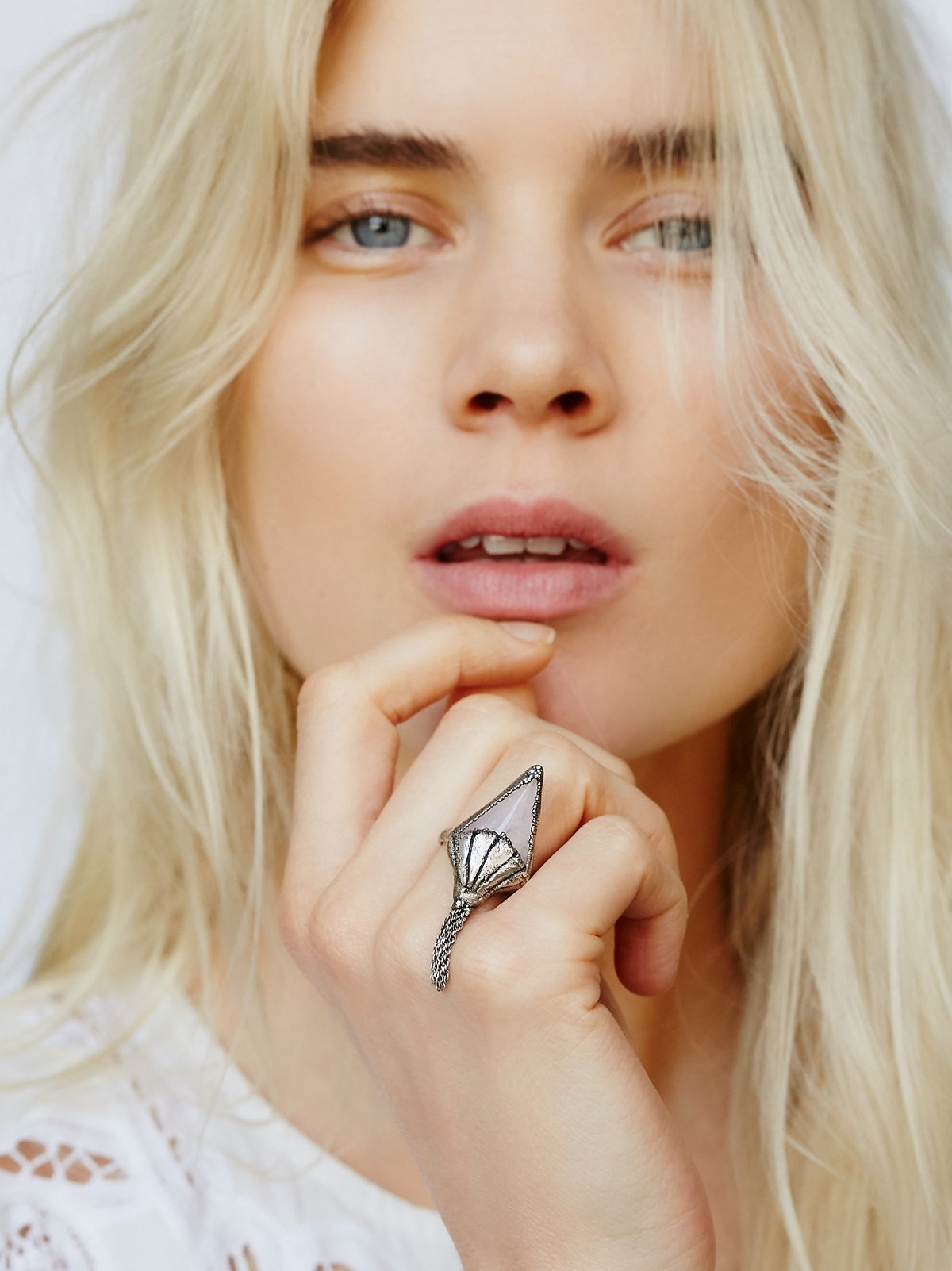 Arrow Rose Fringe Ring