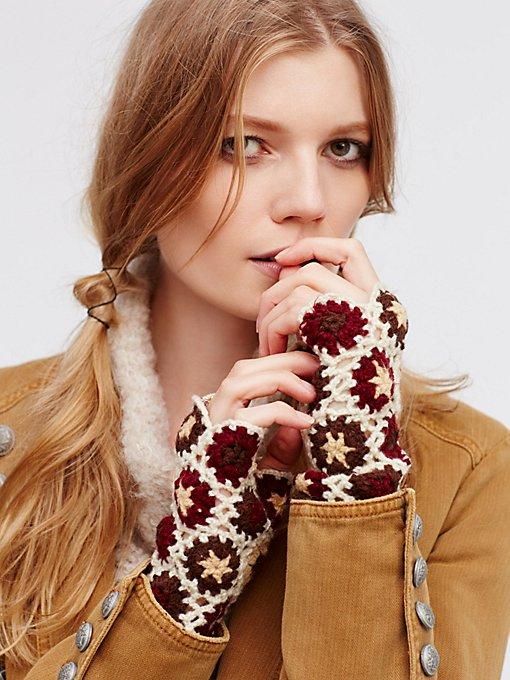 Product Image: Lillian Crochet Glove