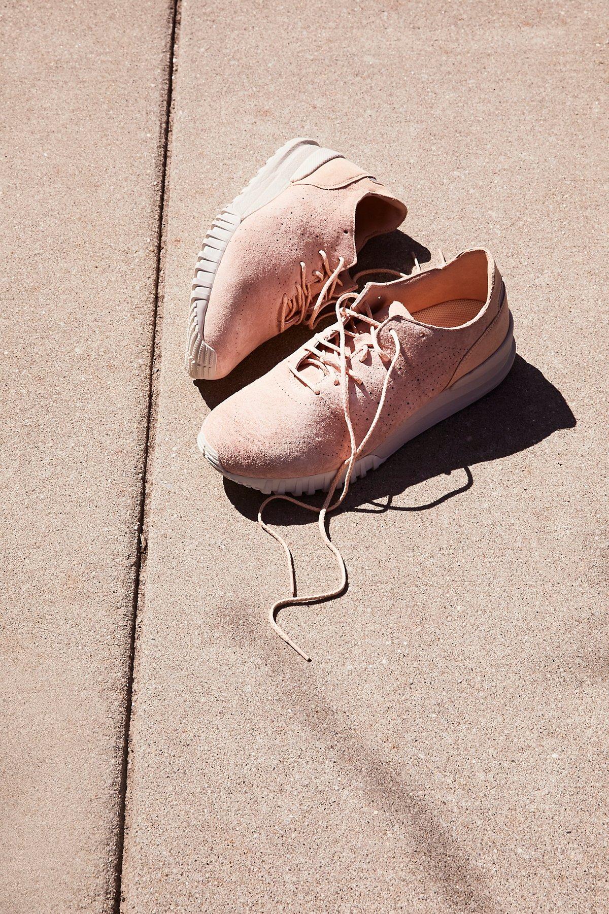 Samsara Lo Hiker Sneaker