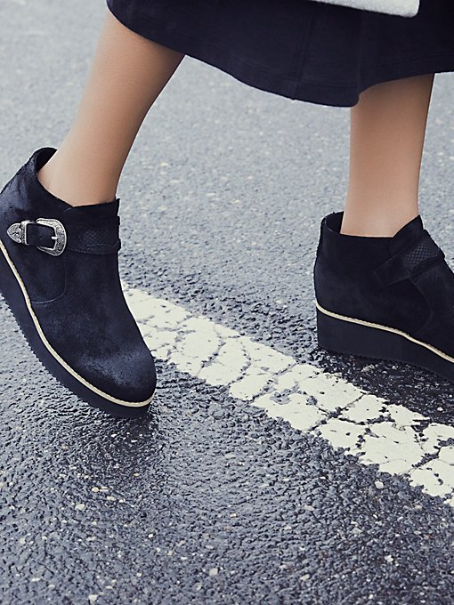 Product Image: 网格厚底靴