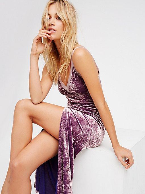 Product Image: Belle Epoch天鹅绒V领超长衬裙