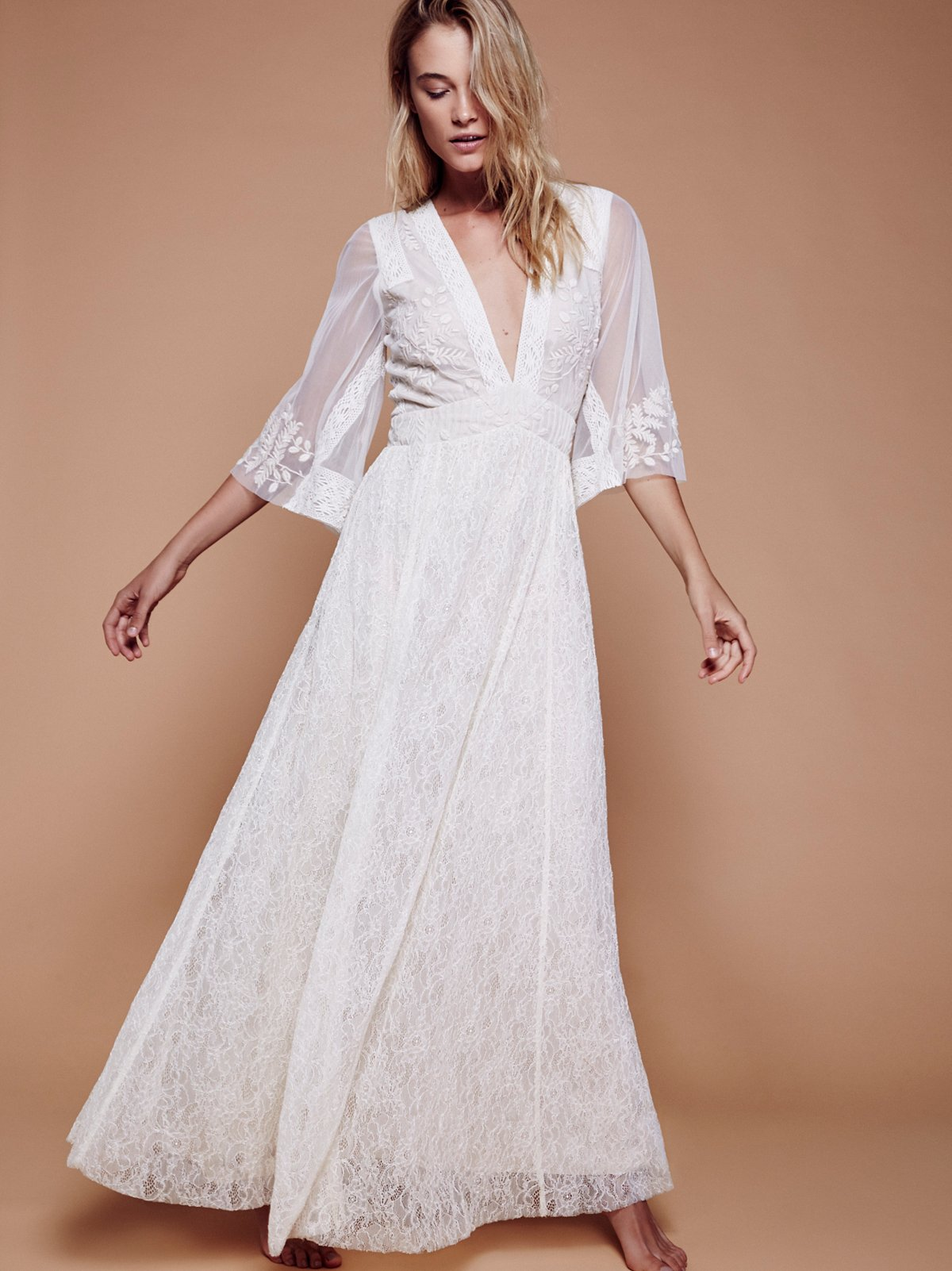 Eclair Lace Maxi Dress