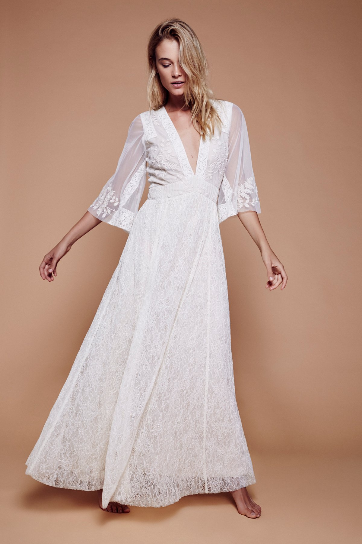 Eclair Lace Maxi Dress