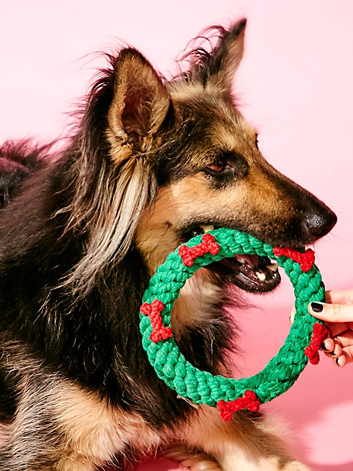 Product Image: Holiday Wreath Dog Toy