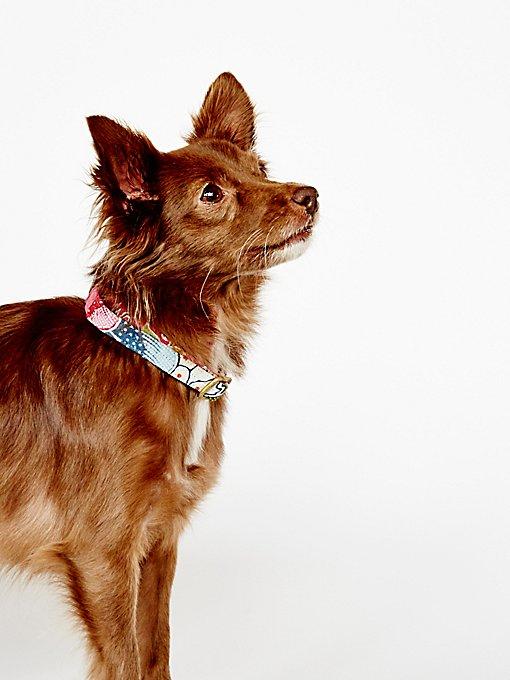 Product Image: Hibiscus Vintage Batik Collar