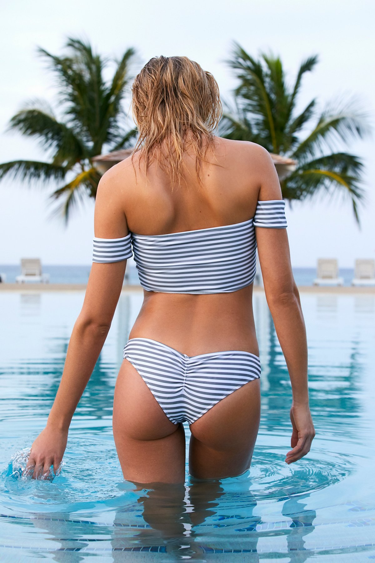 Nikki条纹比基尼泳裤