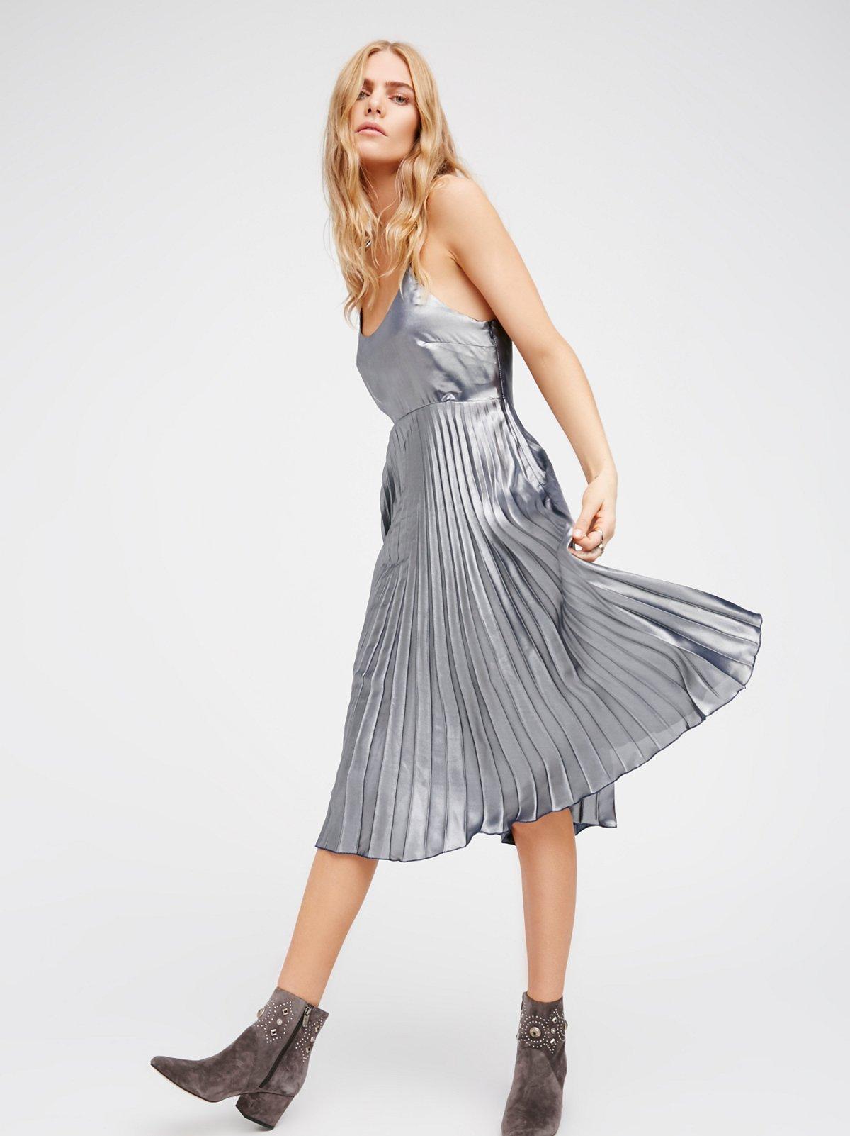美人鱼中长款连衣裙