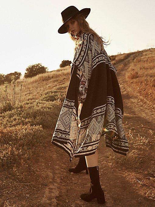 Product Image: Bazaar Beauty Border Kimono