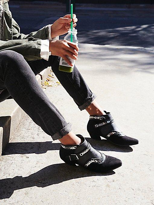 Product Image: Vegan Valor踝靴