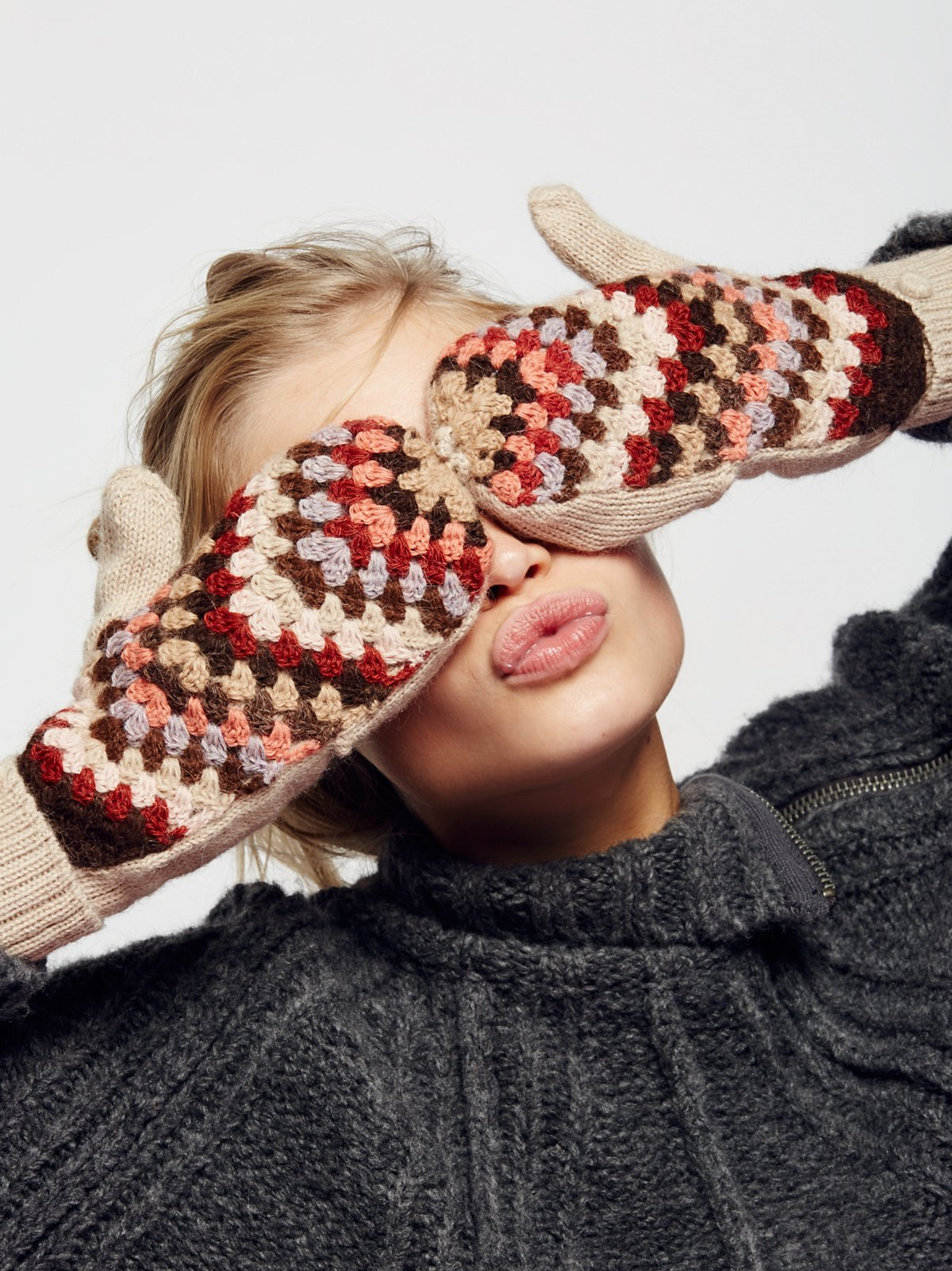 Joanie Crochet Pop-Top Mittens