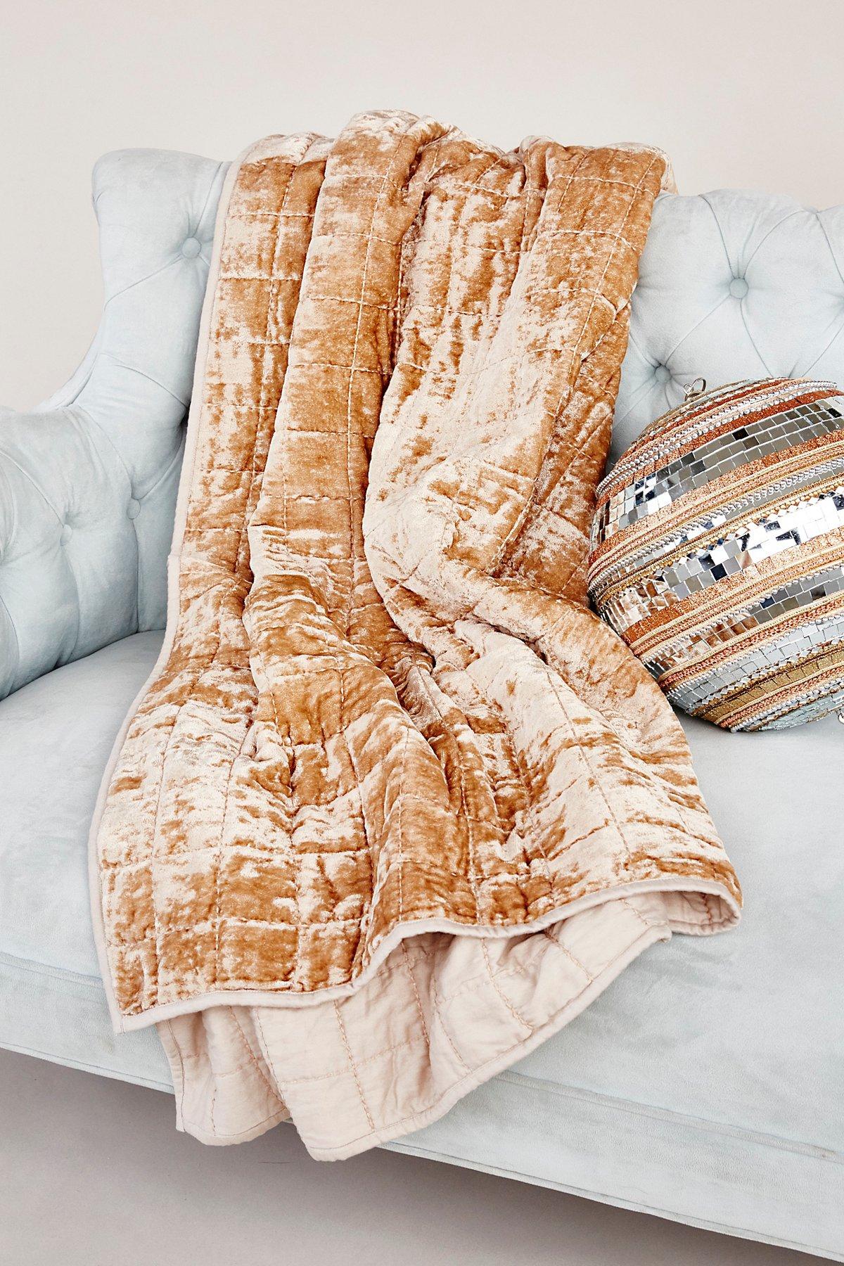 Cloud Nine Velvet Blanket
