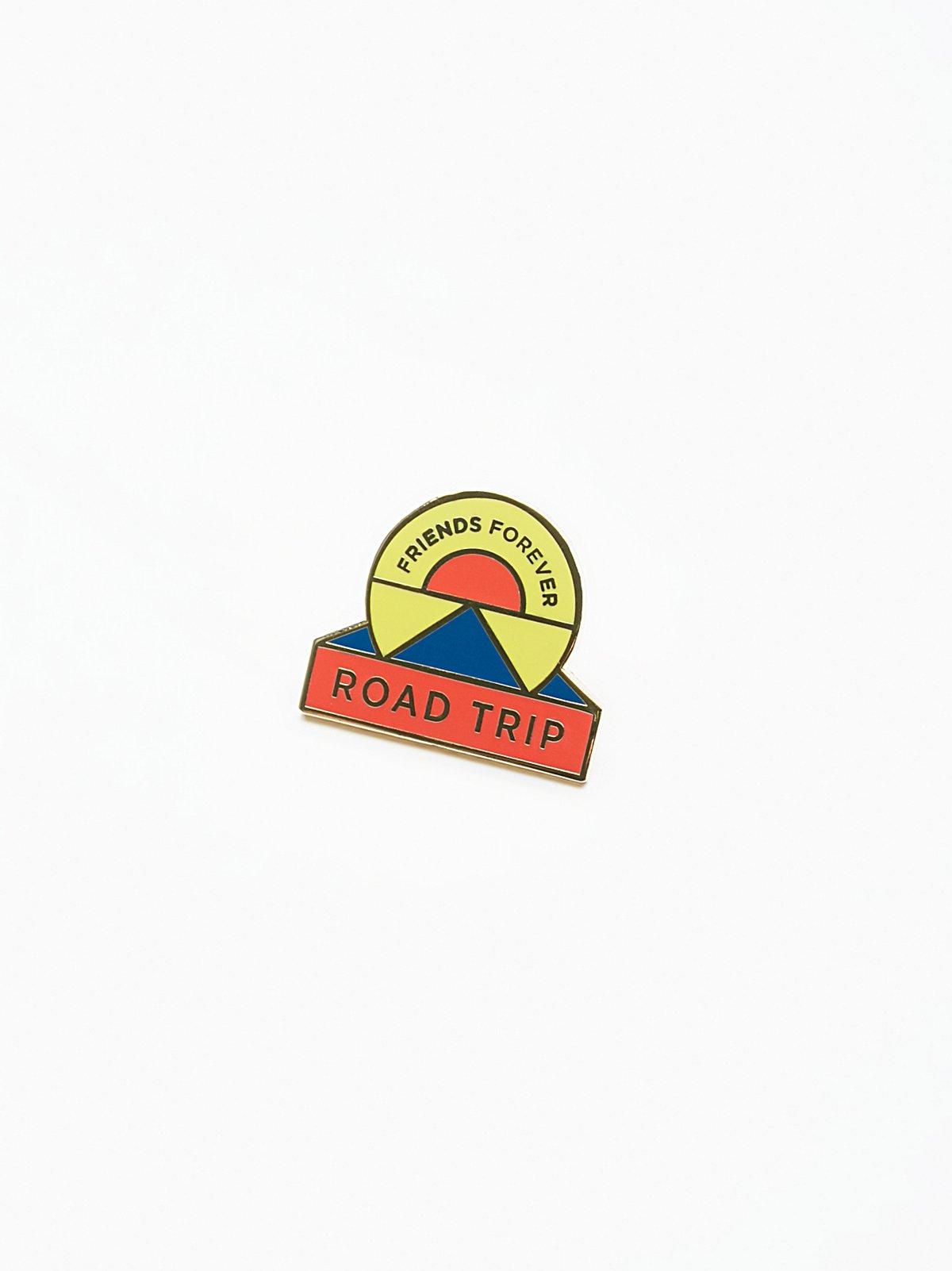 Road Trippin' BFF Pin