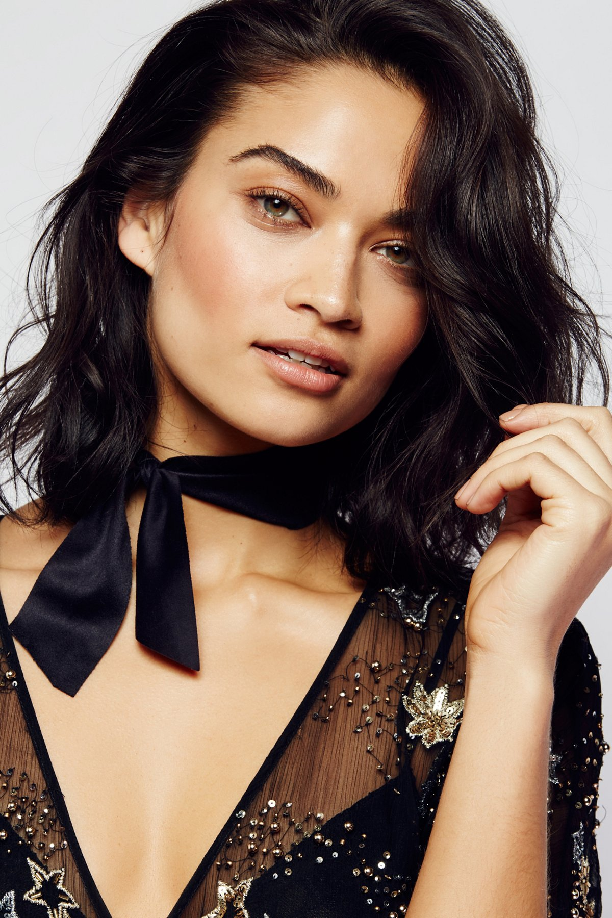 Evelyn Suede Bow Choker