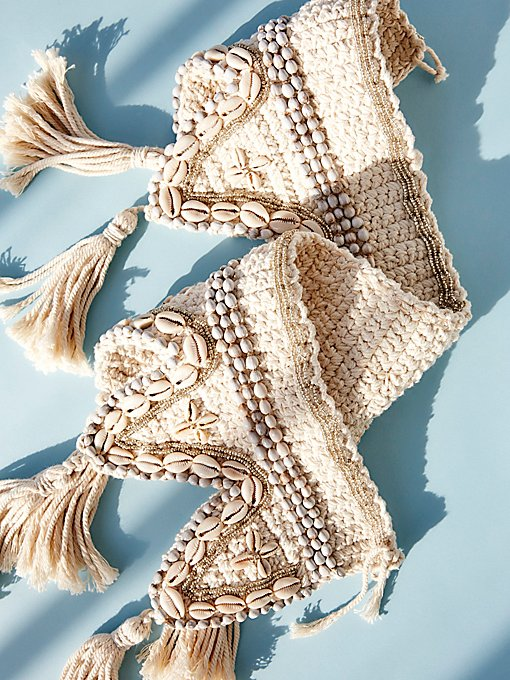 Product Image: Ocean Bound Macrame Shell Garland
