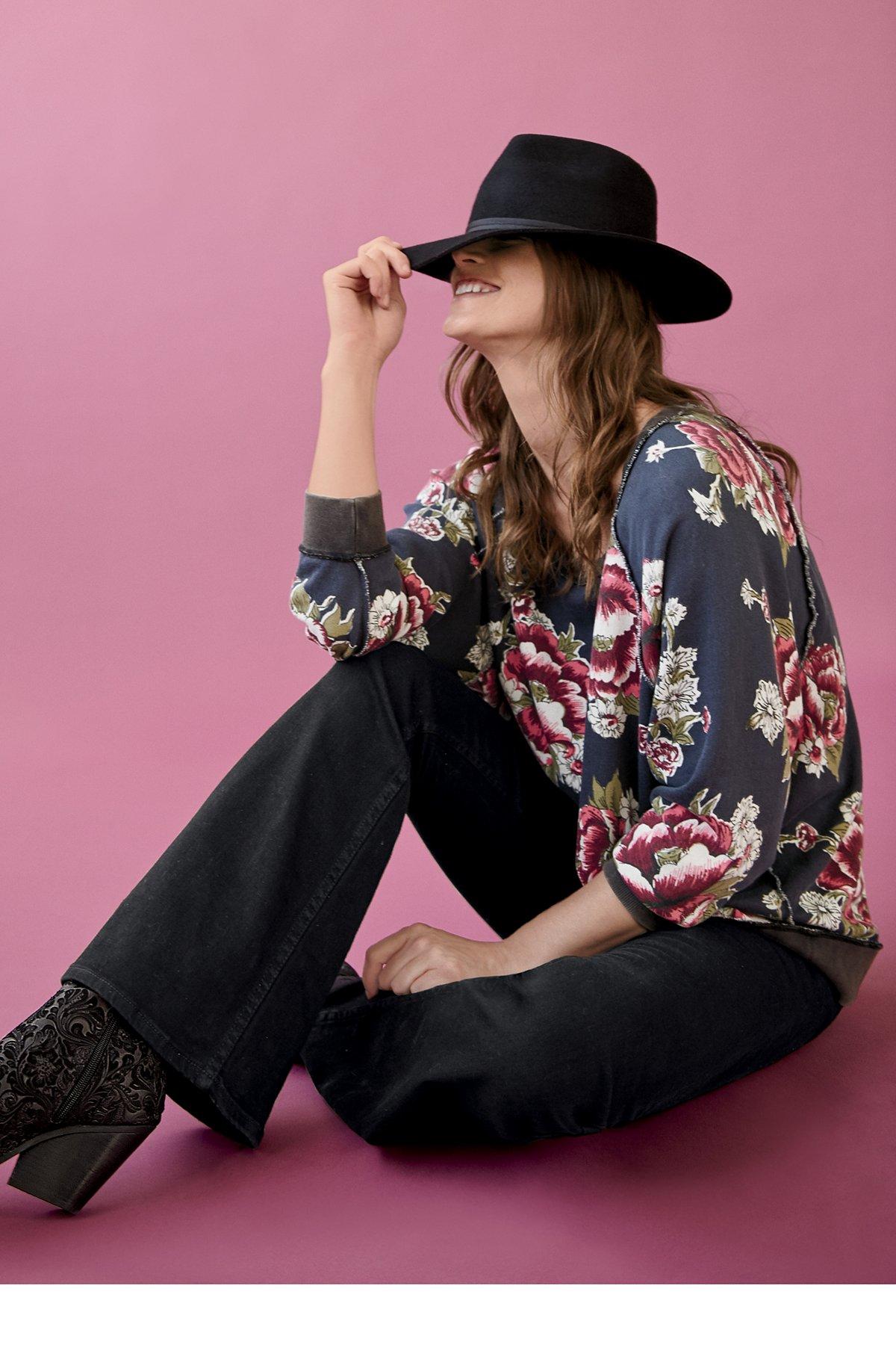 Go On Get Floral Pullover