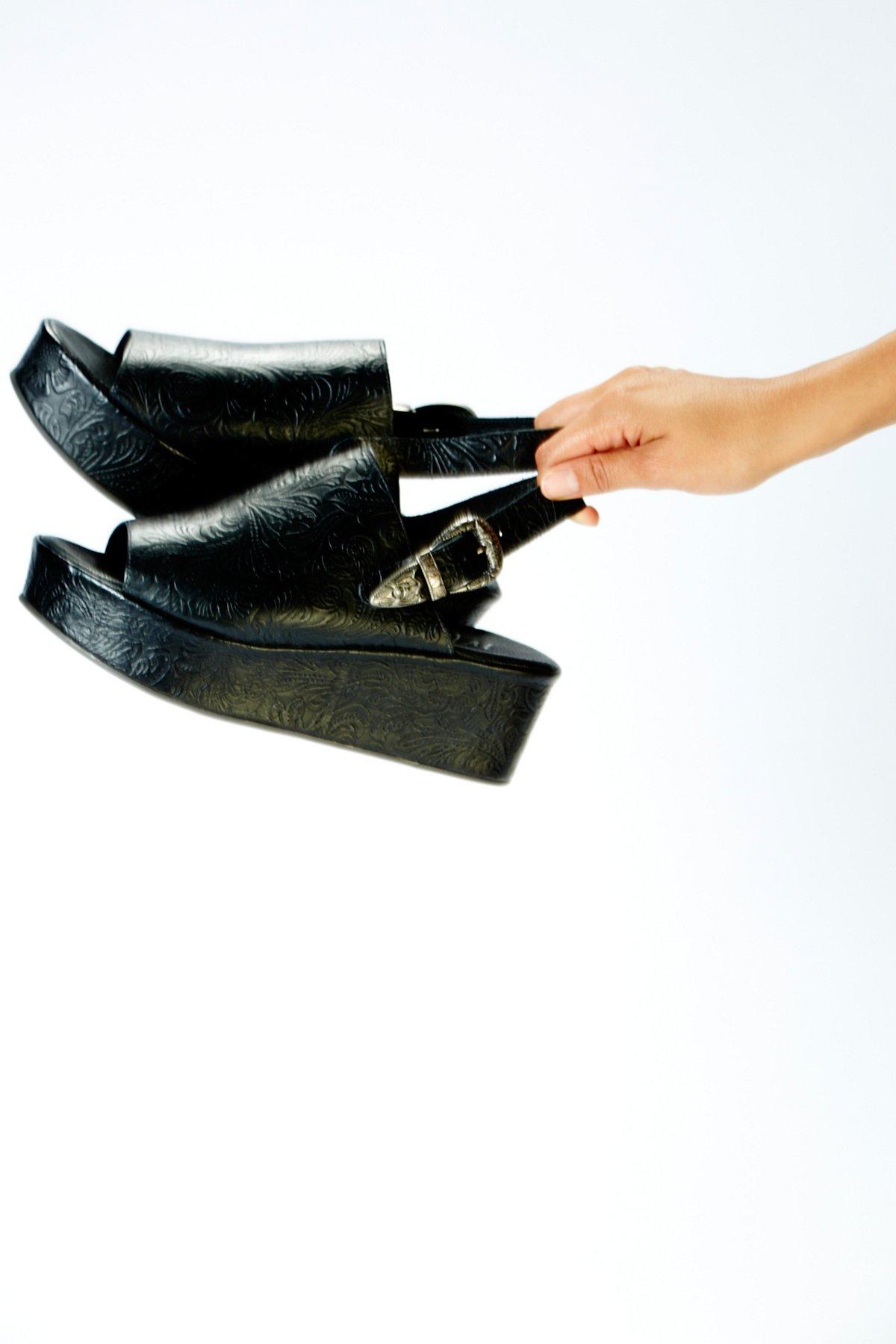 Midnight厚底鞋