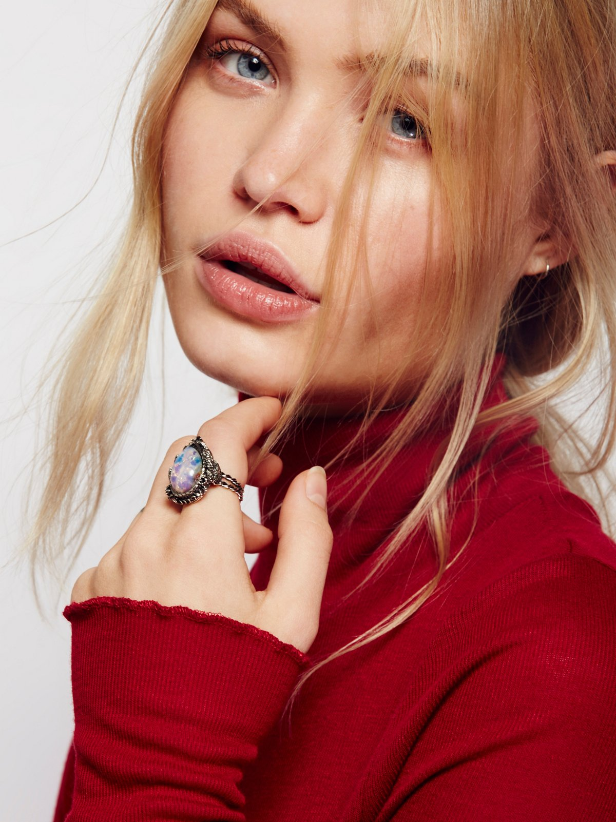 Astrid蛋白石戒指
