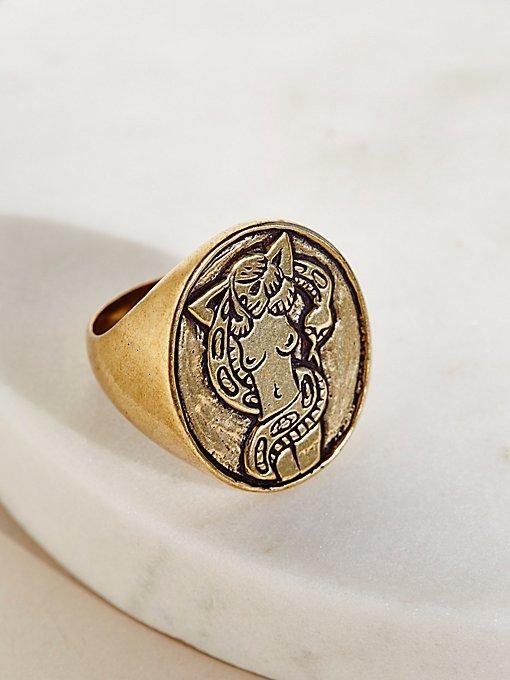 Product Image: Zorita Signet Ring