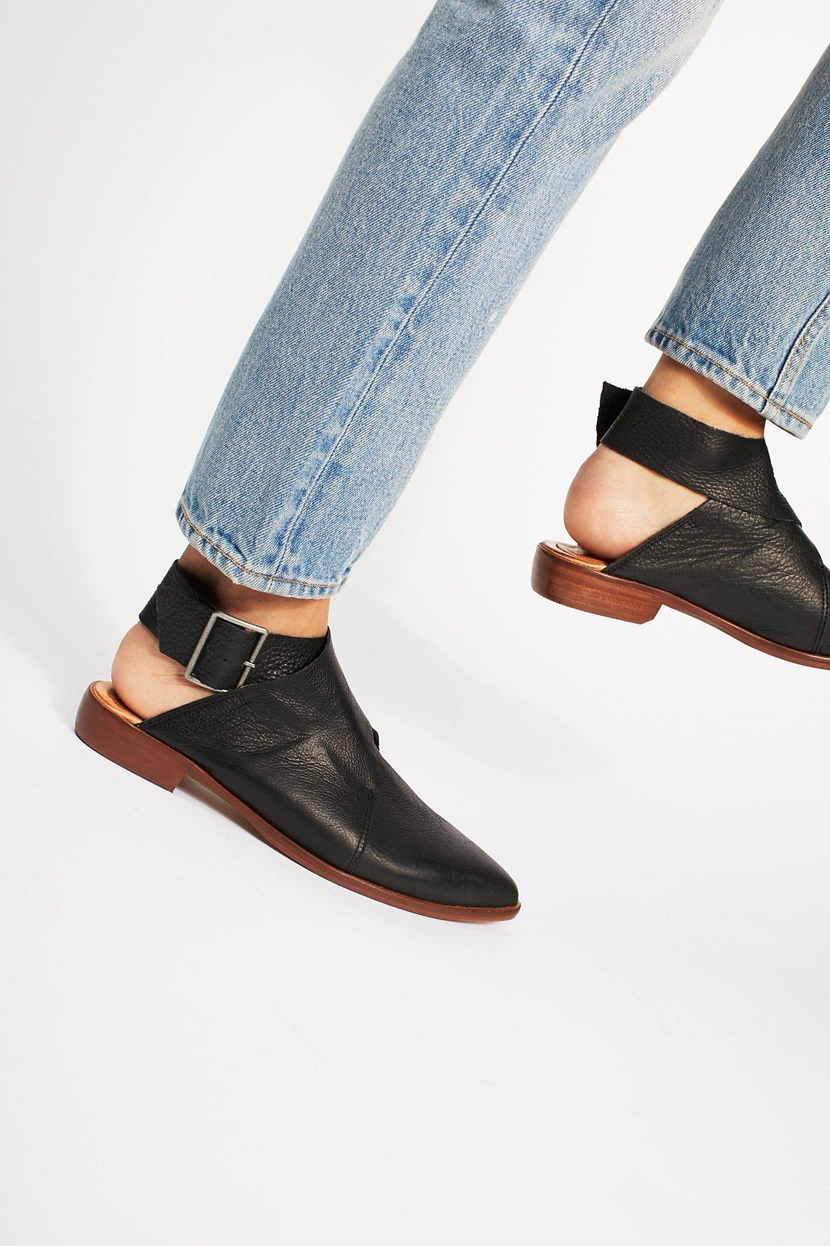 Bryce绑带平底鞋