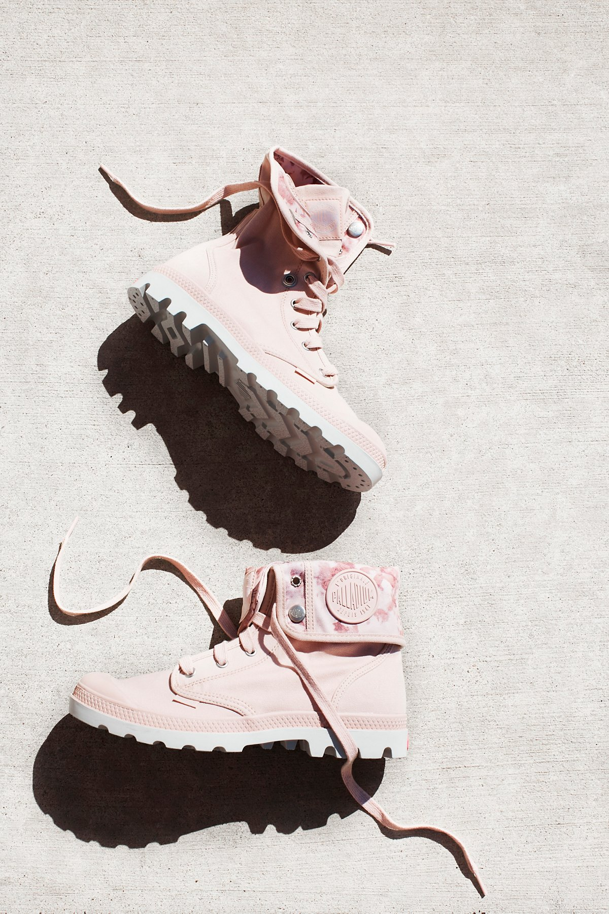 Baggy Lace-Up Boot