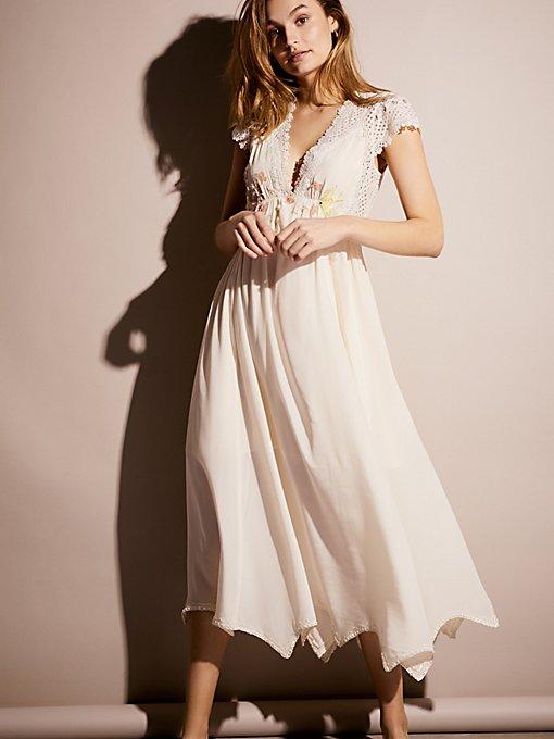 Product Image: Gemma's 限量版白色连衣裙