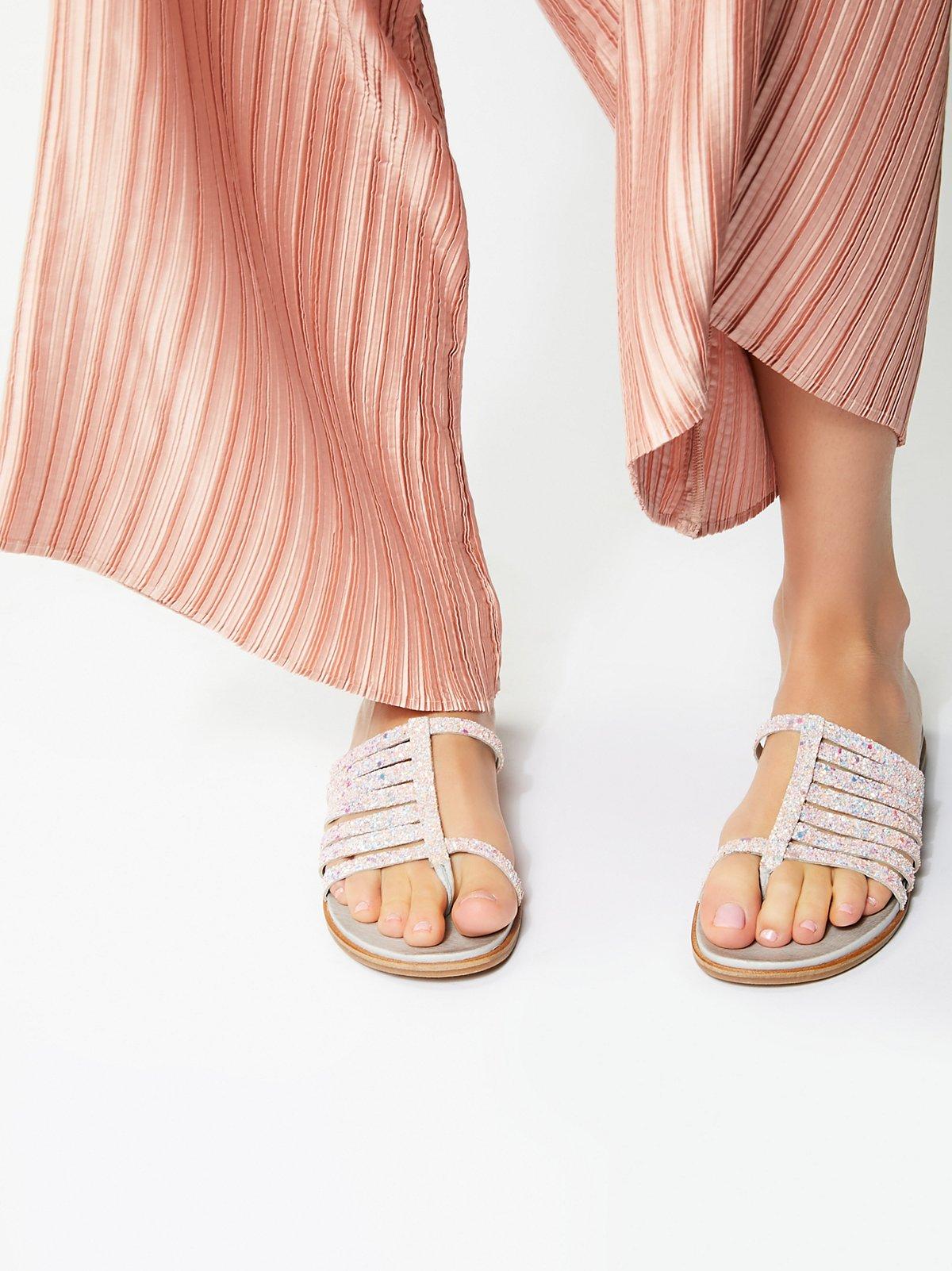 Prism凉鞋