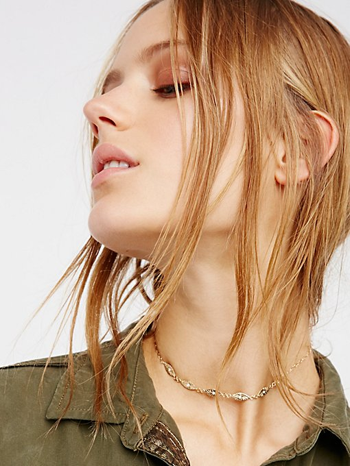 Product Image: 14k黄金光线造型蓝宝石短项链